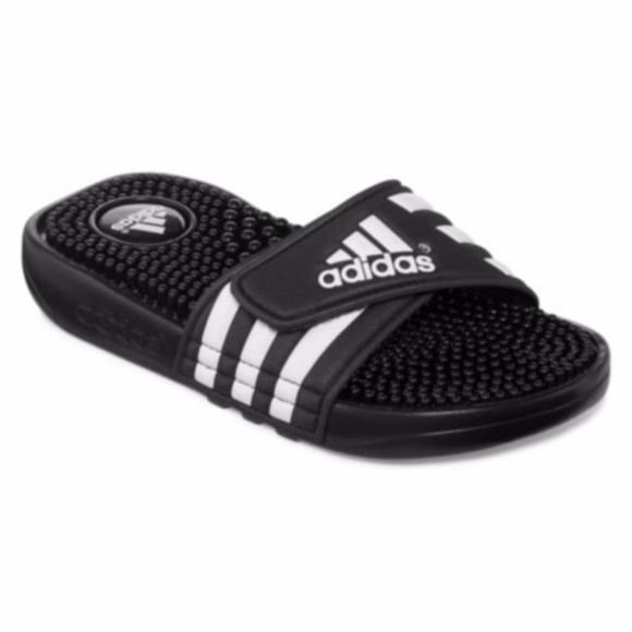 06724deb5 Adidas Sandals Boy Size 5